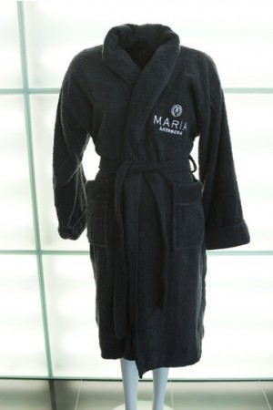 MÅ BATHROBE